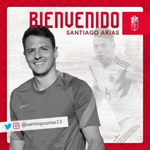 Santiago Arias firma por el Granada CF