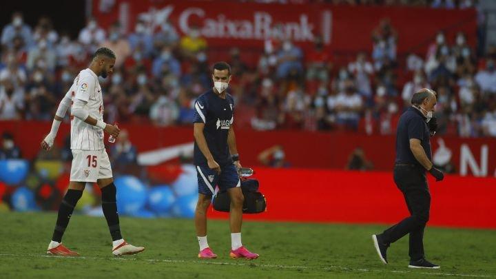 En Nesyri se lesiona y preocupa al Sevilla